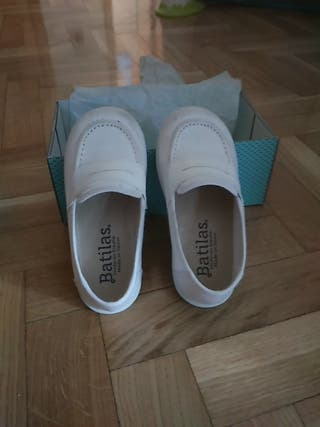 Zapato mocasin lona blanca niño