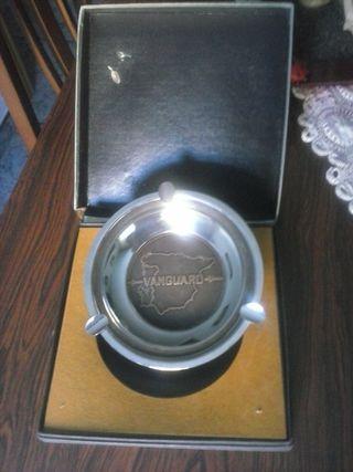 Cenicero vintage Vanguard