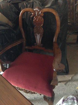 mesa y sillas de nogal 200 años