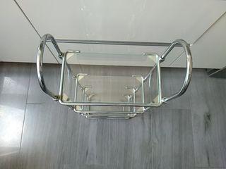 Estantería de baño cromada con baldas de cristal