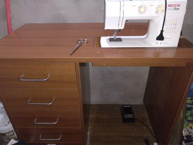 Mesa Para Máquina De Coser Doméstica De Segunda Mano Por 120 En