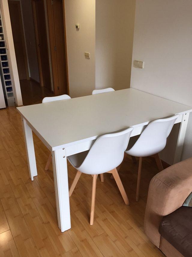 Mesa blanca comedor. de segunda mano por 100 € en Picassent en WALLAPOP