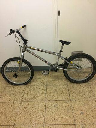 Bicicleta Monty trial frenos hidráulicos