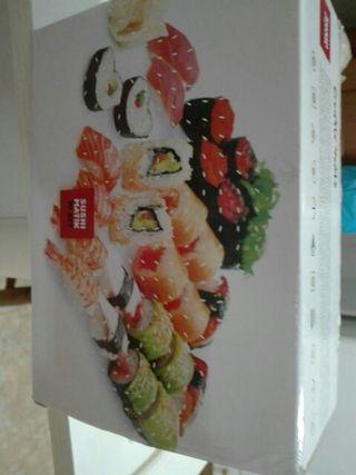 Moldes para hacer sushi con formas.