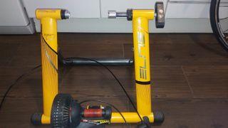 rodillo de entrenamiento y ruedas