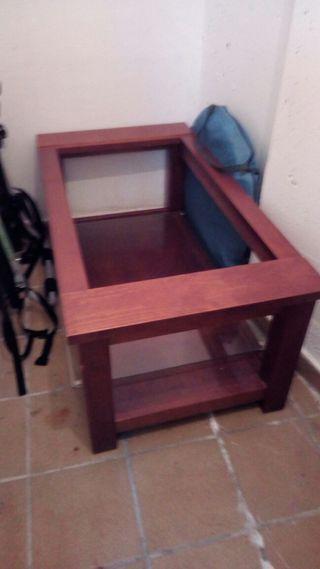 mesa pequeña salón.