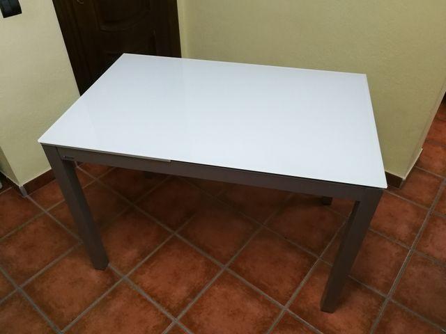 Mesa cocina y sillas de segunda mano por 500 € en Cartagena en WALLAPOP