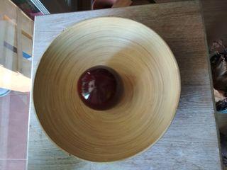 Frutero y esfera de bambú