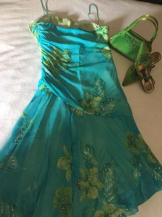 Conjunto vestido de boda y complementos