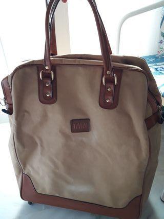 maleta-bolsa con 4 ruedas