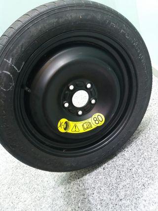 rueda de coche nueva