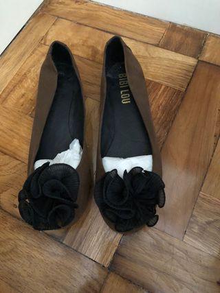 Bailarinas talla 39 marrones con pompon negro