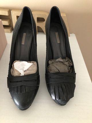 UTERQUE. Zapatos piel negros t.39