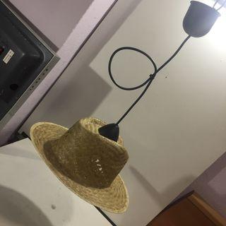 Lámpara sombrero de paja