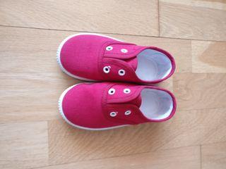 Zapatillas Victoria rojas talla 24