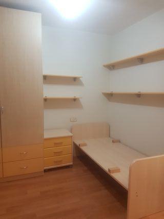 dormitorio infantil impecable