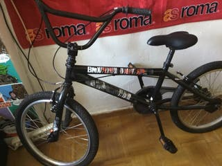 Bicicleta bmx + accesorios incorporados