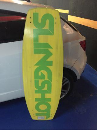 Tabla wakeboard Slingshot + Botas y fijaciones