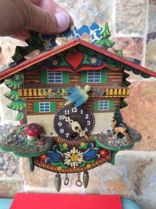 Reloj antiguo cuco suizo hecho a mano
