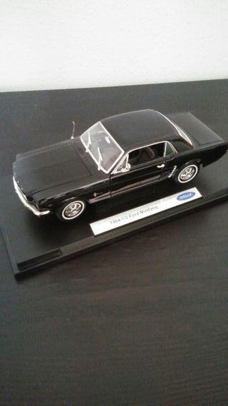 Maqueta Ford Mustang 1964. 1:18