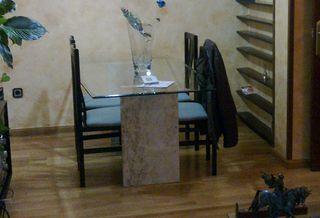 Mesa comedor con sillas de segunda mano en Barcelona en WALLAPOP