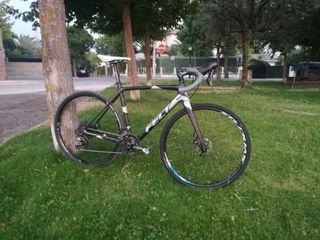 Bicicleta de ciclocross Felt Fx