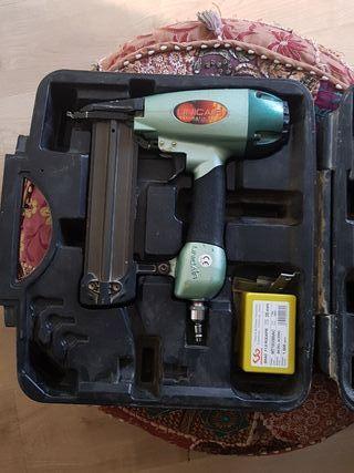 compresor + clavadora