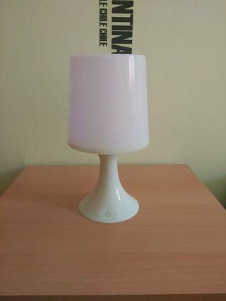 lámpara a pilas con luces de colores