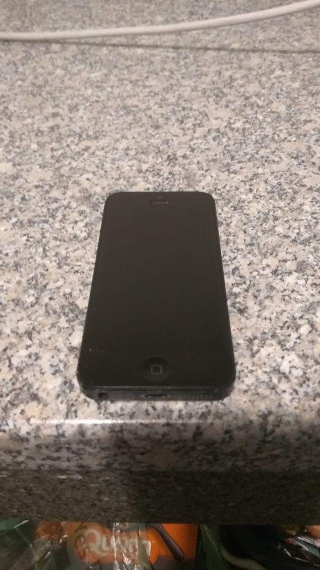 iPhone 5 32gb UNLOCKED NEW BATTERY