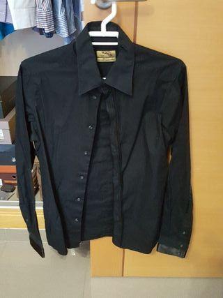 Camisa negra Zara