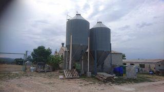 vendo silos de pienso, tolvas para granjas