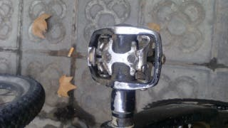 Pedales bicicleta automáticos