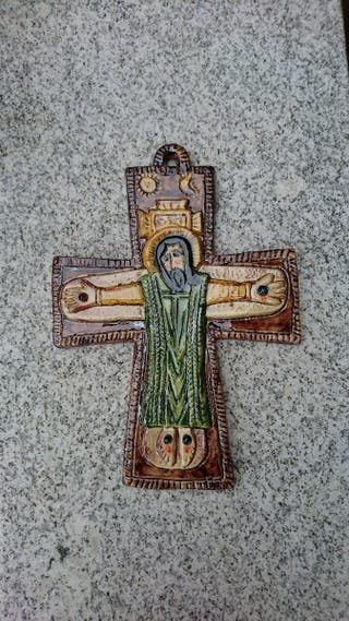 Crucifijo hecho a mano