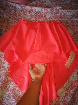blusa con etiqueta