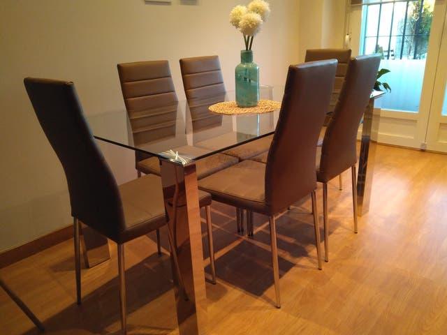 Mesa y sillas comedor de segunda mano por 275 € en Fuengirola en ...