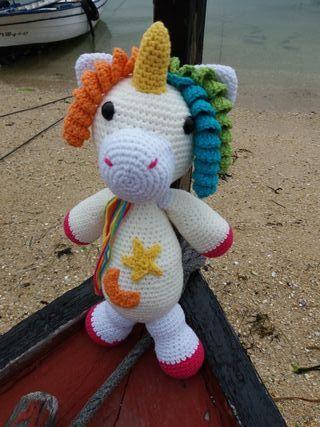 Unicornio crochet.