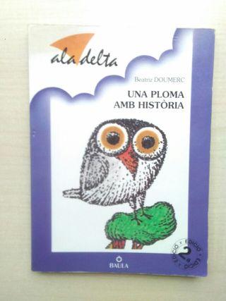 Libro Una ploma amb historia. Beatriz Doumerc.