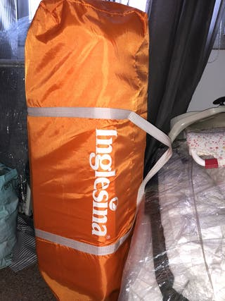 Cuna de viaje inglesina color naranja NUEVA