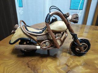 moto Harley madera