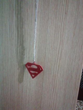 Collar (colgante) de Superman