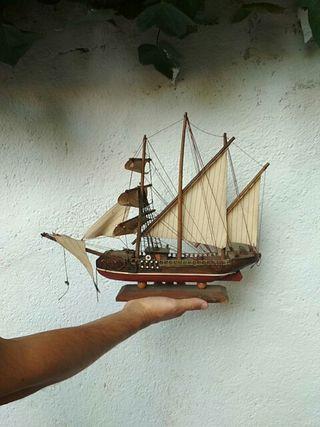 Maqueta de barco de colección
