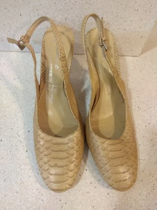 Zapatos PACO HERRERO de salón súper nuevos.