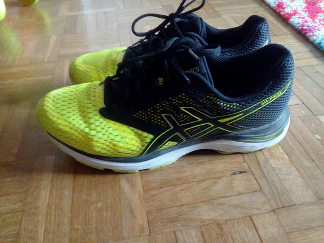 0fa164105 Zapatillas Running ASICS nuevas de segunda mano por 60 € en Lugar ...