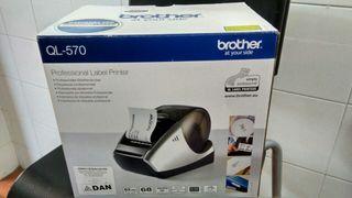 Etiquetadora Nueva, Brother QL-570, en caja.