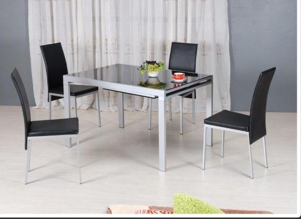 Mesa comedor y 4 sillas para salón de segunda mano por 200 € en ...