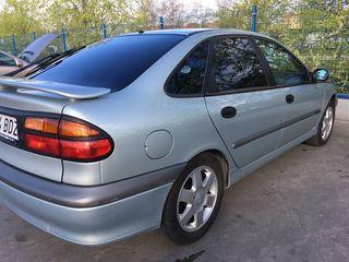 Renault Launa 2001