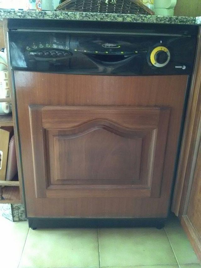 Lavavajillas Panelado En Madera De Segunda Mano Por 175 En - Panelado-madera