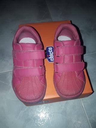 Deportivas rosas marca chico