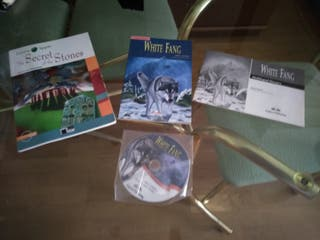 2 libros white fang y the secret of the stones