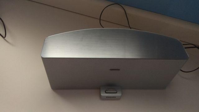 Base música-cargador para iPhone 4